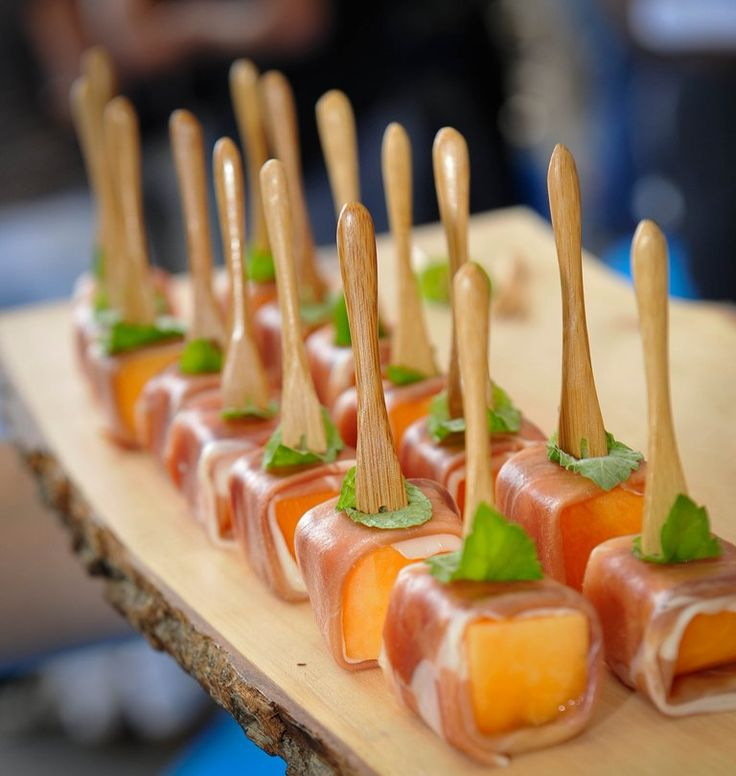 event catering for your stand in cannes nice or monaco - Expo Assistant